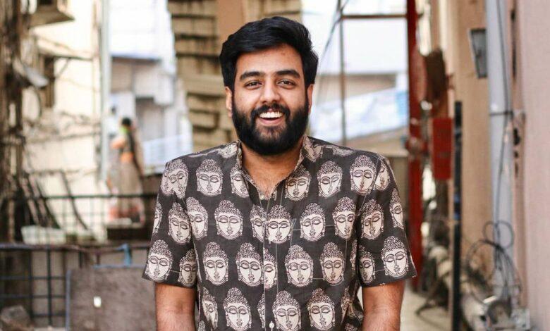Here's the Inspiring story of Yashraj Mukhate, the creator of Pawri Ho Rahi Hai, Chadha Diya - Kokila Ben, Tauda Kutta Tommy, and lots of other viral memes songs.