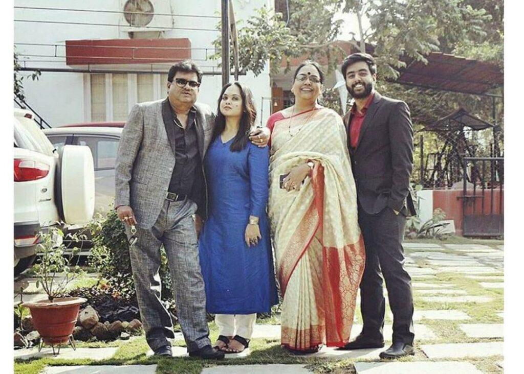 Yashraj Mukhate family